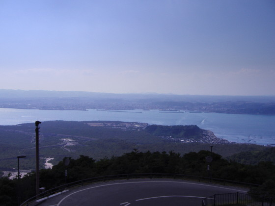 鹿児島市内を望む